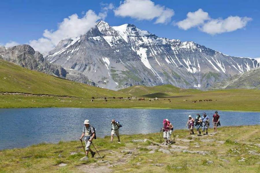 Faire de la randonnée en groupe organisé
