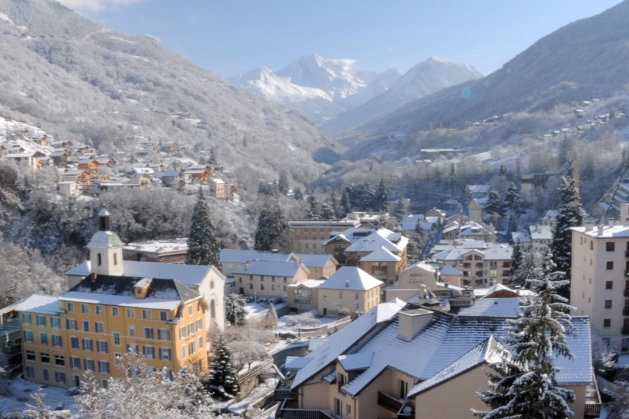Ski resort in the Alps: Brides-les-Bains